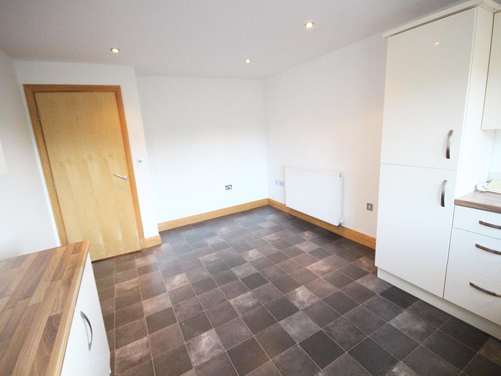 2 bedroom flat For Sale in Foulridge, Colne - IMG_0910.jpg